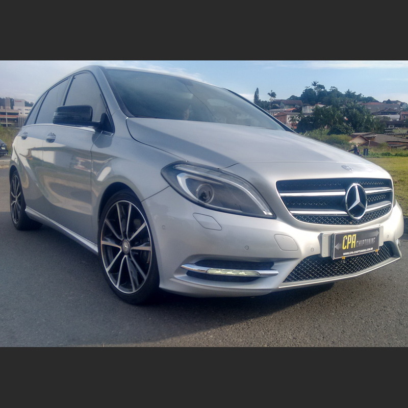 Mercedes-Benz B220 4Matic もっと読んでください。